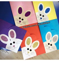This Pin was discovered by Chr Folder Decorado, Preschool Art Activities, Funny Christmas Cards, School Decorations, School Gifts, Easter Crafts For Kids, Kids Cards, Homemade Cards, Decorate Notebook