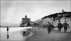 The Cliff House, perched majestically above the ocean near San Francisco's northwestern tip, has been one of the city's most famous landmarks since it opened in 1863.