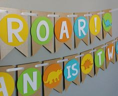Personalized Dinosaur themed Roar banner, Birthday or Baby shower party decoration, Party Banner with name and age - Modernes Second Birthday Ideas, 2nd Birthday Parties, Dinosaur Party Decorations, Decoration Party, Dinosaur Birthday Cakes, Happy Birthday Banners, First Birthdays, Shower Party, Baby Shower