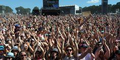 """Audrey Azoulay salue une """"fréquentation exceptionnelle"""" des festivals cet été malgré les attentats"""