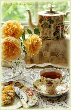 Aiken House & Gardens: Teacups & Roses