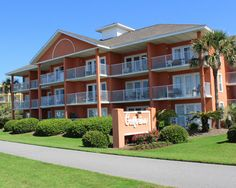 Family friendly, economical beach condo . Gulfview II Condominiums in Miramar Beach, Florida.. (mirarmar beach.14)
