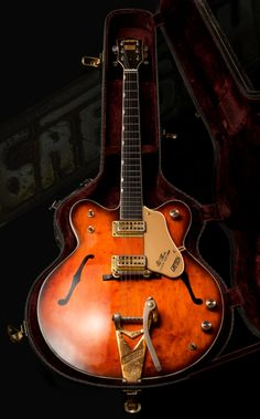 Salt Spring Island photographer brings rare, vintage guitars to life in exhibition - British Columbia - CBC News