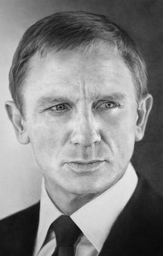 Daniel Craig ~ 007<3 Pencil Art  ~ Celebrity pencil drawings by Matthew Leader.
