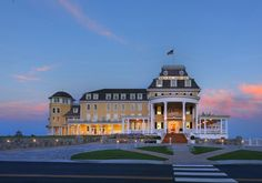 6 TOP RESORTS IN NEW ENGLAND  Ocean House, Rhode Island, Watch Hill