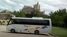 Alquiler minibus Madrid | minibus visitando el Alcazar de Segovia Plaza, Madrid, Spain, Events, Viajes, Sevilla Spain, Spanish