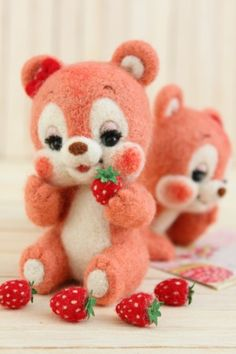 いちご大好き twin bears | Needle felted teddy bears