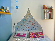 Falsa cabeceira pintada na parede by ALÉM DA RUA ATELIER/Veronica Kraemer, via Flickr