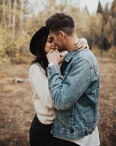 simple wedding photography poses snap tips shared produced on 20190202 Couple Picture Poses, Couple Photoshoot Poses, Photo Couple, Couple Photography Poses, Cute Couple Pictures, Couple Portraits, Couple Posing, Couple Shoot, Engagement Photography