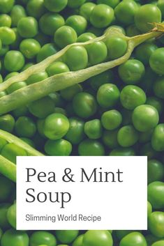 I love pea and mint soup. This Slimming World recipe is syn free and very tasty. It's from the Slimming World Little Book Of Soups astuce recette minceur girl world world recipes world snacks Slimming World Soup Recipes, Slimming World Free, Slimming World Dinners, Slimming Eats, Slimming World Books, Speed Soup, Brothy Soup Recipes, Pea And Mint Soup, Pea Recipes