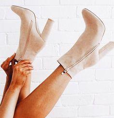 Tan booties with heel. Tan booties with heel. Ankle Boots Beige, Tan Booties, High Heel Boots, Heeled Boots, Shoe Boots, Shoes Heels, Beige Shoes, Bootie Heels, Platform Boots