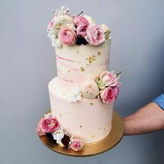 The pink palette✌🏻️ Pink Palette, Cake Art, Wedding Cakes, Creative, Instagram Posts, Desserts, Naked, Hands, Cookies