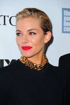 sienna-miller-beauty-red-lip