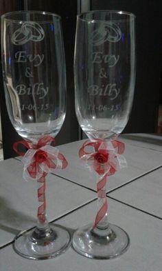 Copas de Novios grabadas Cricut Vinyl, Diy And Crafts, Silhouette, Wedding Ideas, Weddings, Glasses, Tableware, Party, Painting