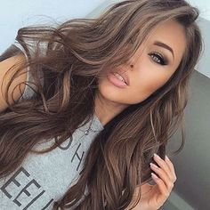 beautiful make up, winged eyeliner, grey eyeshadow, foundation, blush, contour, bronzer, naturel lips, brows, mulotd, beauty, long waves, brown hair, hairstyle