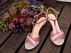 What's your summer colours? :) Mod: Maleva in antique pink glossy two tone leather. Heel: and Summer Colors, Girls Shoes, Stuart Weitzman, Sandals, Heels, Pink, Leather, Colours, Antique