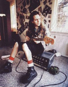 """""""When you're a kid sitting in your room playing guitar, you don't have to worry about being successful…""""  - Eddie Vedder #PearlJam"""