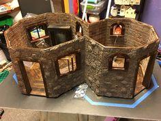 Harry Potter Diy, Harry Potter Movies, Harry Potter Hogwarts, Miniature Crafts, Miniature Houses, Hagrids Hut, Reptile Accessories, Cardboard Crafts, Book Nooks