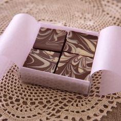 マーブル模様チョコの作り方|手作りチョコレシピ|株式会社 明治