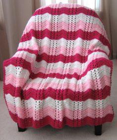 White Chocolate Strawberry Double Shell Ripple | AllFreeCrochetAfghanPatterns.com