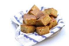 Chunky Vegan Cornbread - light and delicious and perfect no matter the season. Serve with Chilli or as a side at your summer picnic or bbq.