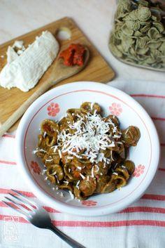 Orecchiette di grano arso alla 'nduja: un primo piatto originale, sfizioso e... piccante!