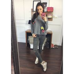Stylový šedý dámský pletený svetr s barevnými kuličkami - manozo.cz Stylus, Selfie, Style, Selfies