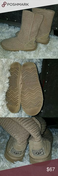 UGG boots size 6 it fits a little bigger Used 4 times only last  winter  my douther over  growth  it this year. UGG Shoes Ankle Boots & Booties
