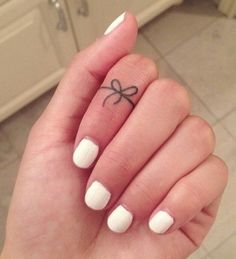 forget-knot-tattoo-on-finger