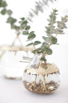 Easy DIY: Add some glitter inside of clear vases for an unexpected and shimmery detail.
