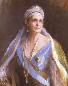 Marie of Edinburgh, Queen consort of King Ferdinand I, wearing the Diamond Fringe Tiara, Romania (1874; diamonds).