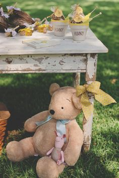 Winnie the Pooh Baby Shower 2 | The Little Umbrella