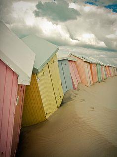 cabines - looks like a pastel version of Muizenburg! Pastel Colors, Colours, Pastel Palette, Quiet Storm, Foto Art, Am Meer, Jolie Photo, Pretty Pastel, Photos