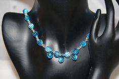Perlenkette mit Crackle-Glasperlen in blau von Feekollektion auf DaWanda.com