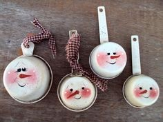 Easy to make....Snowman Measuring Cups.  Cute Christmas gift when added to a big mixing bowl filled with ingredients for cookies (or anything really!)
