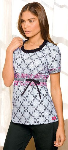 cute scrub top- looks like a dressy top! For when I'm a vet tech- or when I get an internship!