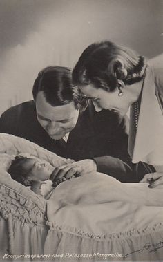 thefirstwaltz:  Crown Prince Frederick and Crown Princess Ingrid with their daughter (now Queen of Denmark), Princess Margrethe of Denmark.