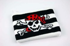 Purse Knitted Pirate Skull  £3.99