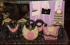 Dipped Oreos, Luxury Food, Lady Dior, Sweets, Chocolate, Cookies, Honey Bread, Cake, Make Up