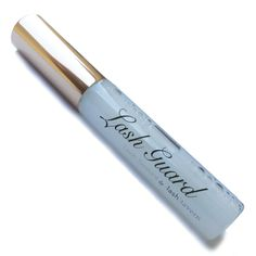 Lash Guard is a FANTASTIC solution for anyone with eyelash extensions. Add this sealant to your routine and increase retention and lash integrity.