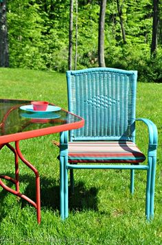 Patio Furniture Update using Outdoor Spray Paint from East Coast Creative Blog
