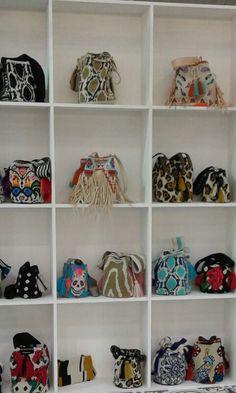 Mochila Wayuu bag de Arte y Tejido Colombia.