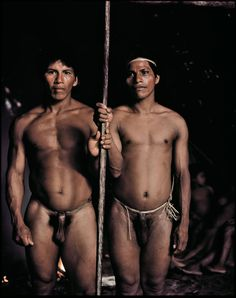 For at least a thousand years, the Amazonian rainforest of Ecuador, the Oriente, has been home to the Huaorani (meaning 'human beings' or 'the people'). They consider themselves to be the bravest indigenous group in the Amazon. Until 1956, they had never had any contact with the outside world.