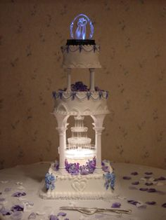 Round Fountain Wedding Cake | Fountain Cakes