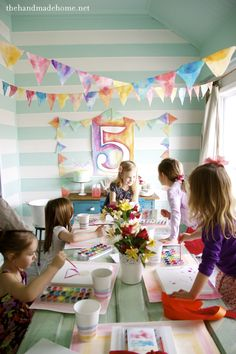 """For kids, but I could have just as much fun with my friends at this sort of party, too. Previous pinner: """"watercolor birthday party {so much more charming that """"Dora the Explorer"""" or some other such thing! Art Birthday, Birthday Party Themes, Birthday Ideas, Kunst Party, Art Party, Party Fun, Party Entertainment, Childrens Party, Party Planning"""