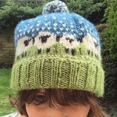 So I finished my #baablehat  A bit pleased with the #scheepjes yarn choice 4 balls of stonewashed XL (it's only £2.99 a ball) 👍🏼 Oh and I think my fringe needs a trim.  #knit #knitting #knittersofinstagram #ravelry