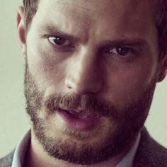 Officially creeped out by Paul Spector after this week's episode! Read my FULL review of The Fall 2x02.