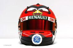 Heikki Kovalainen's Angry Birds F1 race helmet. Me lo merito!