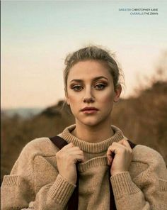 It's Lily from Riverdale! Betty Cooper, Lili Reinhart, Gossip Girl, Pretty Little Liars, Pretty People, Beautiful People, Shadowhunters, Isabelle Huppert, Riverdale Cast