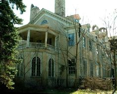 Old Beautiful Mansion Left to Ruin